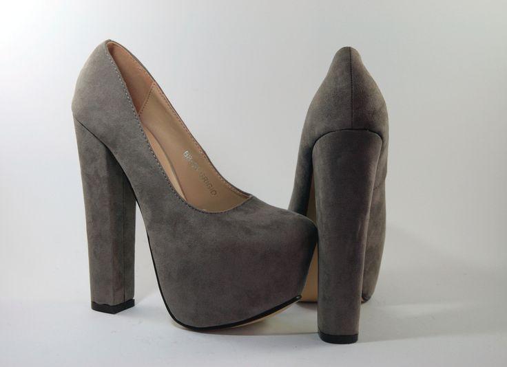 Dècolletè camosciato colore grigio, tacco 15 cm e plateau di 5 cm  http://aemstore.it/home/65-decollete-camosciato-grigio.html