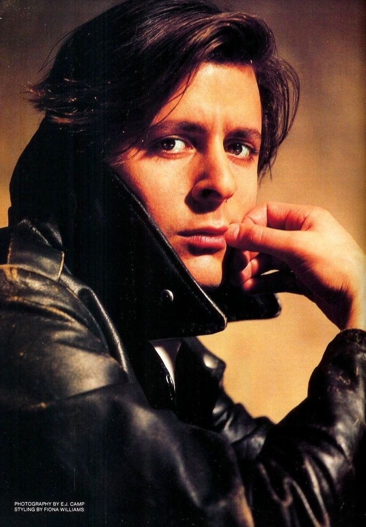 Judd Nelson...so pretty
