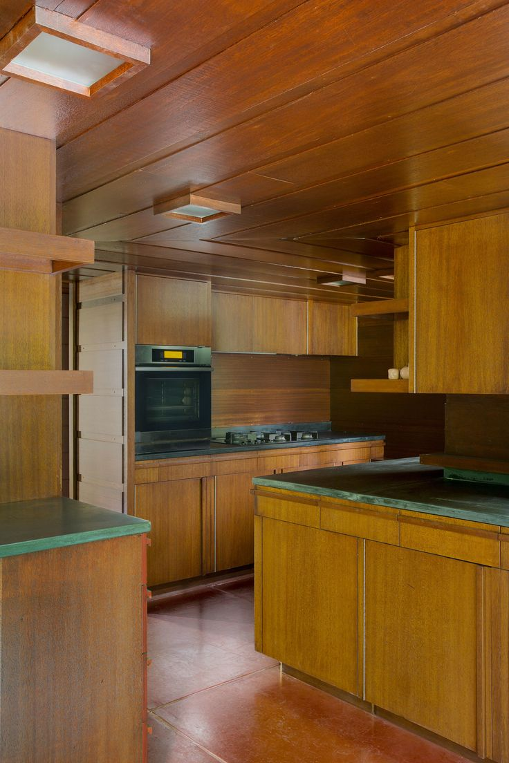 1000 images about frank lloyd wright on pinterest lake for Frank lloyd wright kitchen ideas