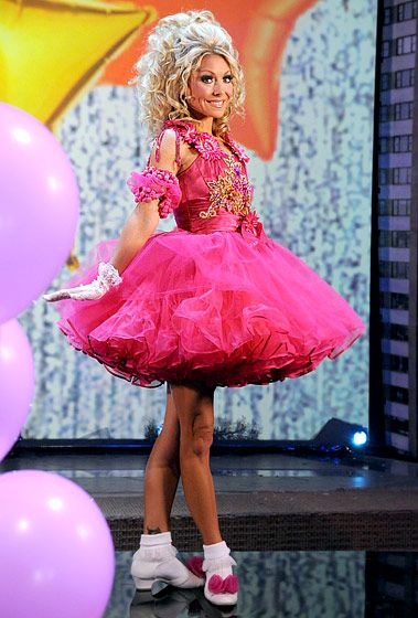 2011 Just as Honey Boo Boo was beginning to make her mark on the reality TV landscape, Ripa dressed in her pink pageantry finest to resemble the girls on TLC's Toddlers & Tiaras.  Read more: http://www.usmagazine.com/celebrity-style/pictures/kelly-ripas-best-halloween-costumes-ever-20122610/25762#ixzz3HrIkjqR9  Follow us: @usweekly on Twitter | usweekly on Facebook