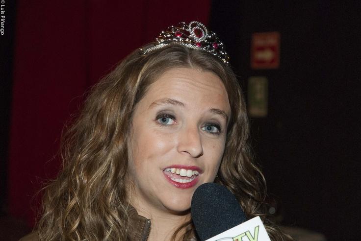 """La periodista y bloguera Bernardita Ruffinelli @bruffinelli , en estreno de la obra """"Maldito Disney"""" basada en su blog"""