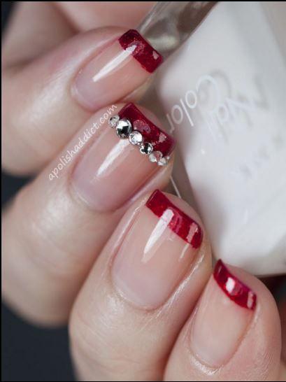 Eleganza e classe per la #manicure delle feste natalizie #nailsart #nails #xmas
