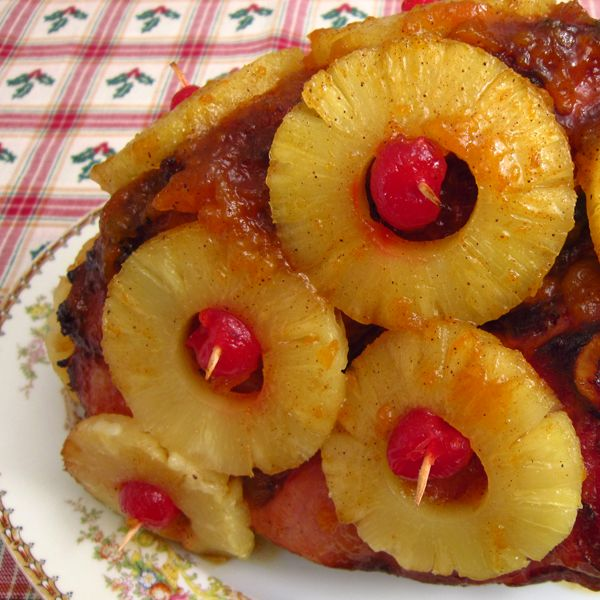Easy to follow recipe a Glazed Ham with Pineapple rings that will delight the tastebuds.. Old Fashioned Baked Glazed Ham with Pineapple Recipe from Grandmothers Kitchen.