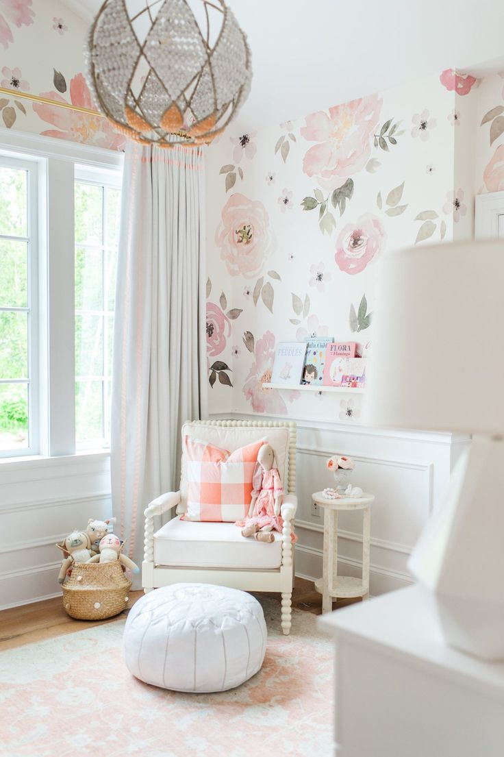 This wallpaper is just darling. Gorgeous enough for baby girls room. Jolie Wallpaper by Project nursery. #affiliate