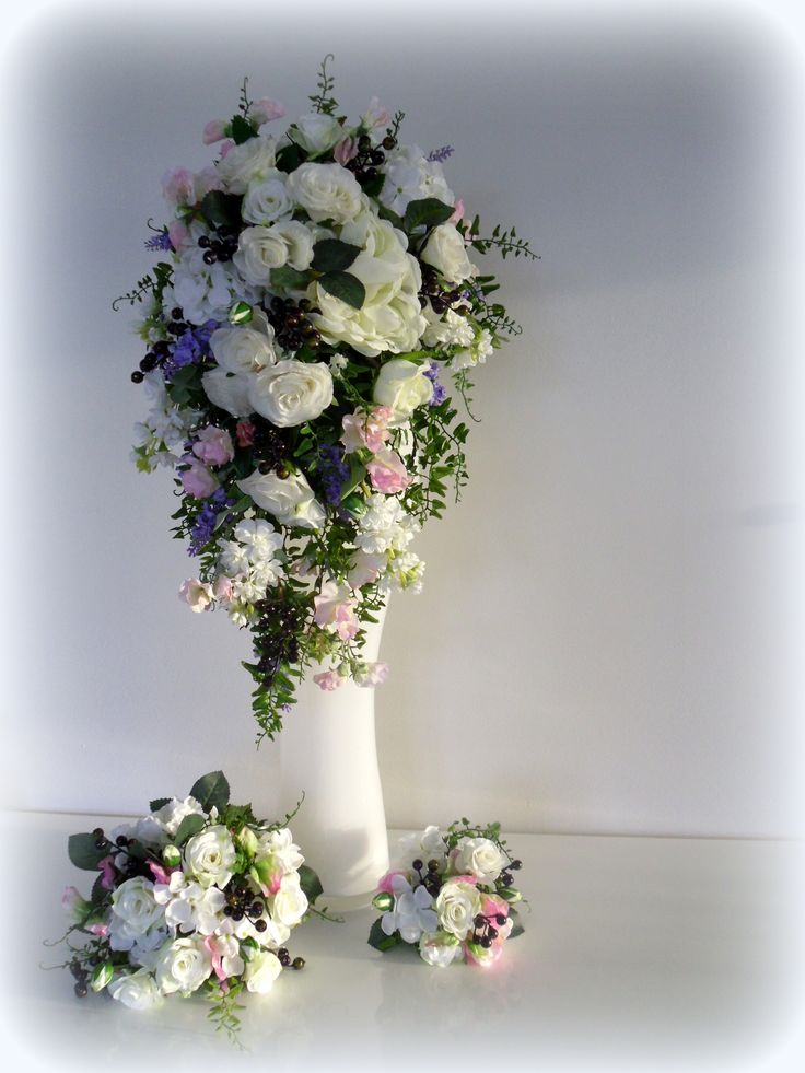 Large trailing bouquets to small posies. www.florabunda.co.nz has everything you need for pastel wedding flowers
