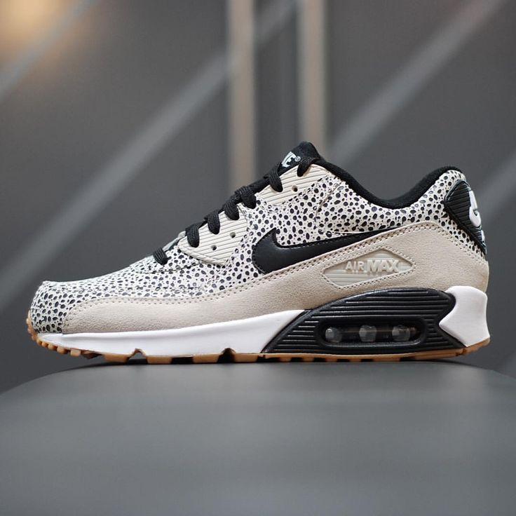 Nike Air Max 90 Premium EM Court Green Black White