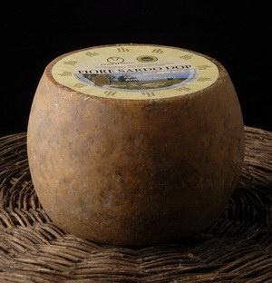 Prodotti Tipici Sardi ::: Fiore Sardo Dop - Olzai,Ollolai (NU) - Prodotti Tipici Quality Sardegna - Vini e prodotti tipici Sardi - Specialità alimentari della Sardegna ::: prodotti tipici sardi