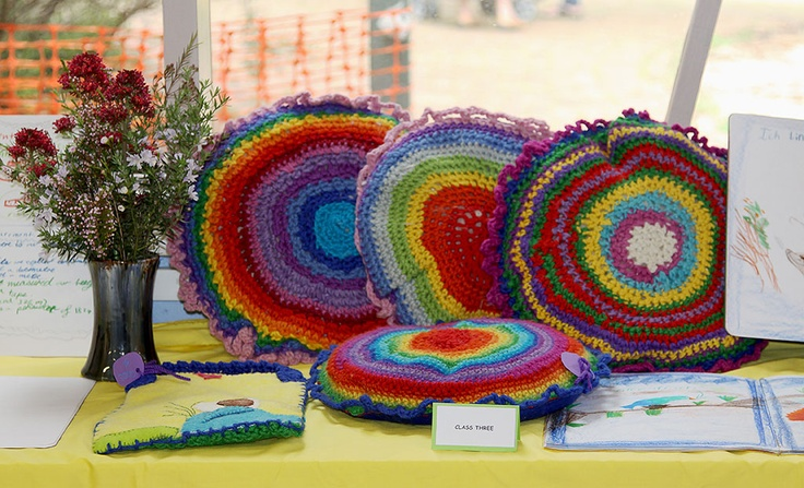 I should totally knit stuff like this.