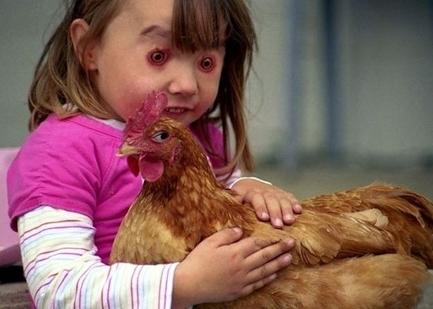 This little girl's eyes and this chicken's eyes | 30 Most Disturbing Face Swaps Of 2012