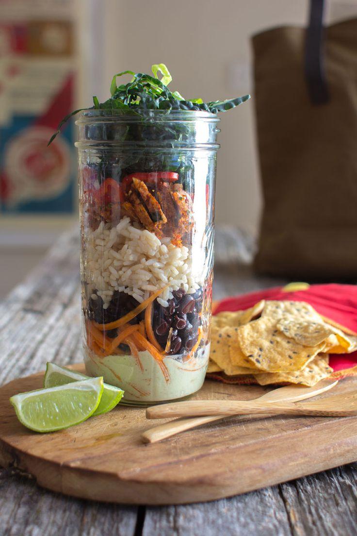 Vegan Mason Jar Taco Salad recipe by @beardandbonnet on www.beardandbonnet.com