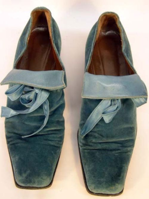 Vintage velvet shoes