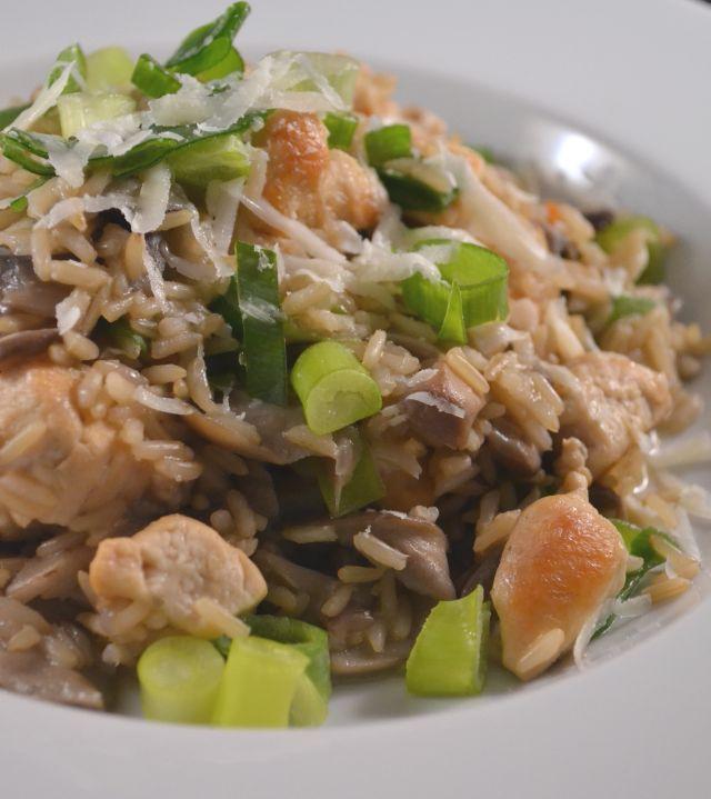 Voorkom een suikerdip en maak eens een gezonde bruine rijst risotto. Een lekkere rijstschotel die niet zwaar op de maag valt!