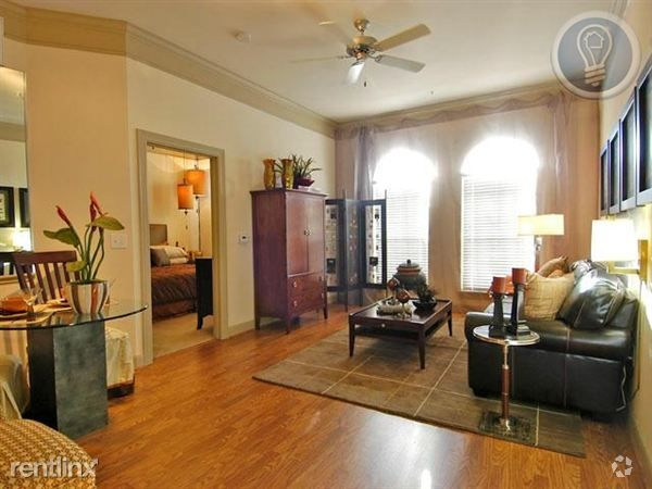 On the edge of the West Campus neighborhood and in the historic Hyde Park District!  With walking distance near Hyde Park's eclectic shopping, dining and entertainment, you will never be far from the best that Austin has to offer.   79L5974    (RLNE1238464) Other Amenities - Parking, Pool, Exercise Facility. Appliances - Dishwasher, Central Air Conditioning, Refrigerator, Range, Oven, Garbage Disposal, Washer & Dryer, Microwave. Lease lengths - 9 Months, 10 Months, 12 Months, 24 Months, 8…
