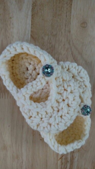 Baby Mary Janes with jewel buttons. Fit for a princess! The Yarn Garden of CT. Etsy