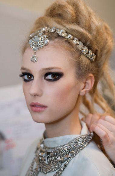 Jeweled headpieceParis, Chanel, Indian Jewelry, Dramatic Eye, Makeup, Beautiful, Big Eye, Headpieces, Hair