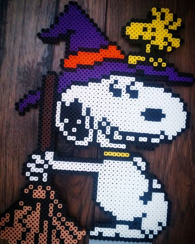 Snoopy - Halloween perler beads by nerdy.mexican