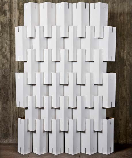 Casa Feita em Casa: Móveis de Papelão / Hard Paper Furniture    cutting slits on the cardboard to put together, good idea instead of glue or tape