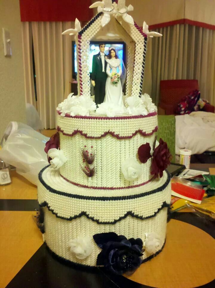 Wedding Cake In Plastic Canvas For Cards