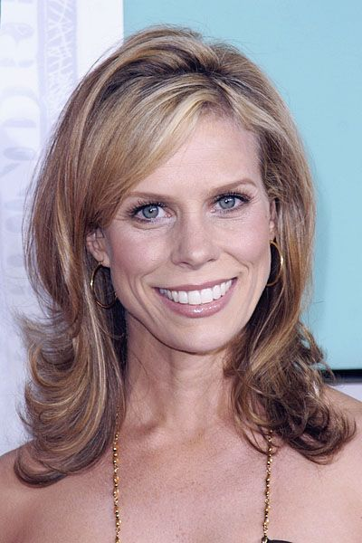 Cheryl Hines in Casual Medium Hair Cut with Big Flips Suitable for Mature Women - Beautiful Hairstyles