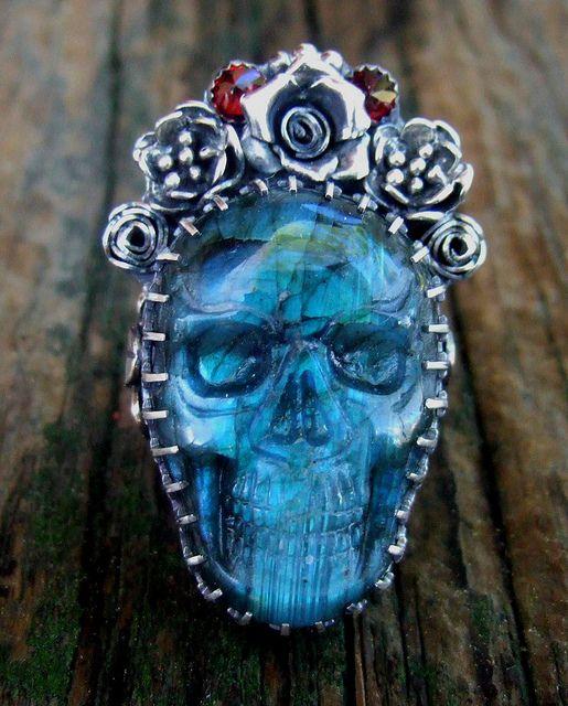 flashy Labradorite skull ring by Elizabeth Payne for Jewelry Arts Studio via Flickr.