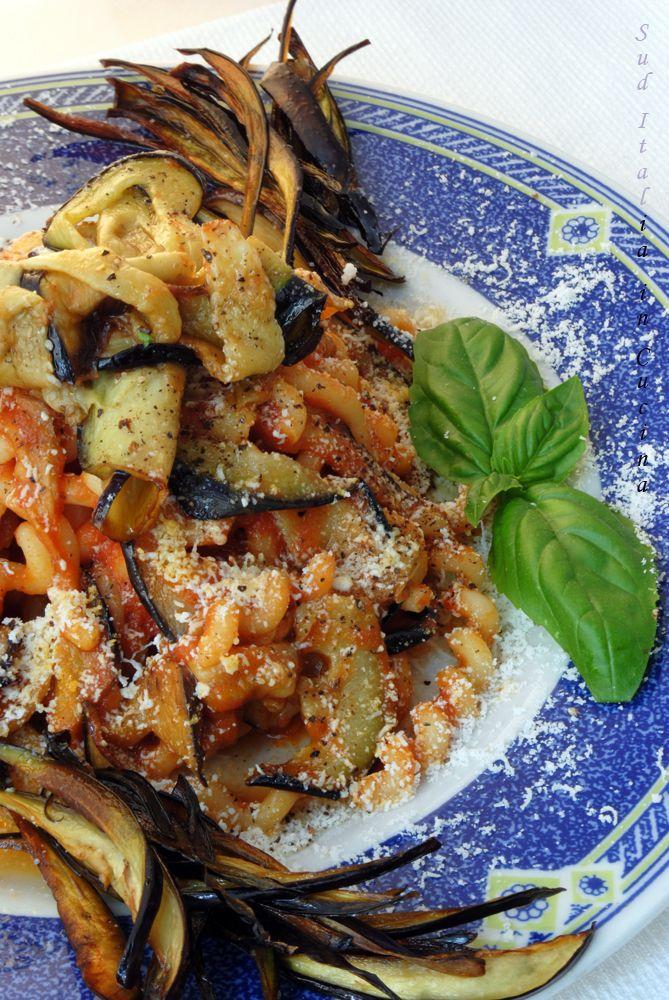Pasta alla Norma - http://blog.giallozafferano.it/suditaliaincucina/?p=2460
