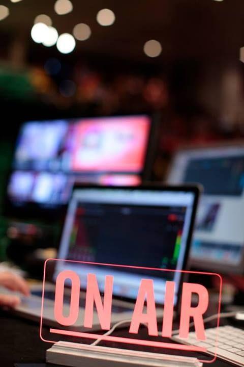 ŚWIATŁA, KAMERA, AKCJA!  Rozpoczęliśmy transmisję z #Life #Auto #Pilot 2.0 Przyłącz się tutaj: http://tv.mentalway.pl/nazywo-lap/  Czeka na Ciebie: > inspirująca wiedza Michała podana w formie SHOW > strategie dotyczące: Emocji, Nawyków, Auto Strategii > około 1-2 godziny szkolenia w jakości Telewizyjnej  Zapraszamy gorąco!  #LAP #MenatlWay