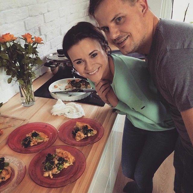 Ściągnięte prosto od @buuba_pl <3 dziekujemy kochani, że użyczyliście nam ... Swojej kuchni! Gotowanie dla Was to przyjemność! A wpis z tą pyszna tartą już niebawem #lovefood #lovecooking #mmcooking