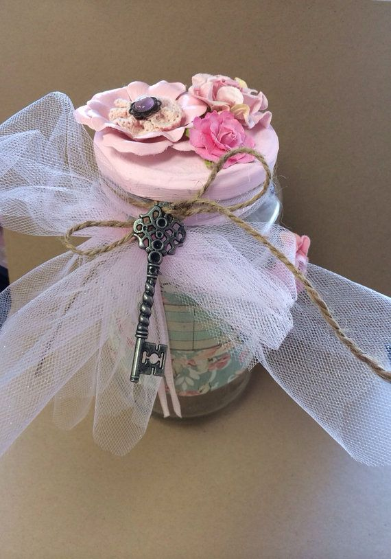 .•°¤*(¯`★´¯)*¤° Shabby Chic.•°¤*(¯`★´¯)*¤°....decorative jar