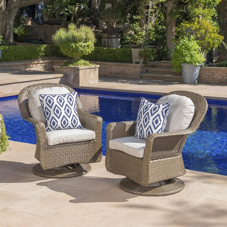 Liam Outdoor Wicker Swivel Club Chair with Cushion
