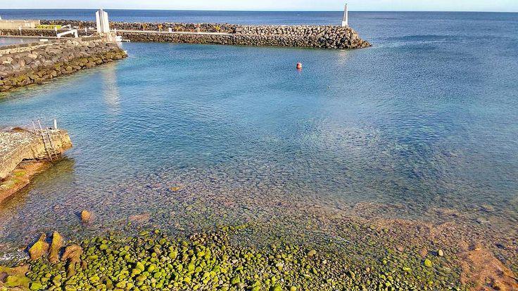 Range of marine colors in Puerto Calero at low tide. Gama de colores marinos en Puerto Calero con marea baja. #travel #travels #traveler #viajar #viajes #viajando #instatravel #travelgram #trip #travelingram #travelphotography #traveltheworld #wanderlust by Cristian Valls