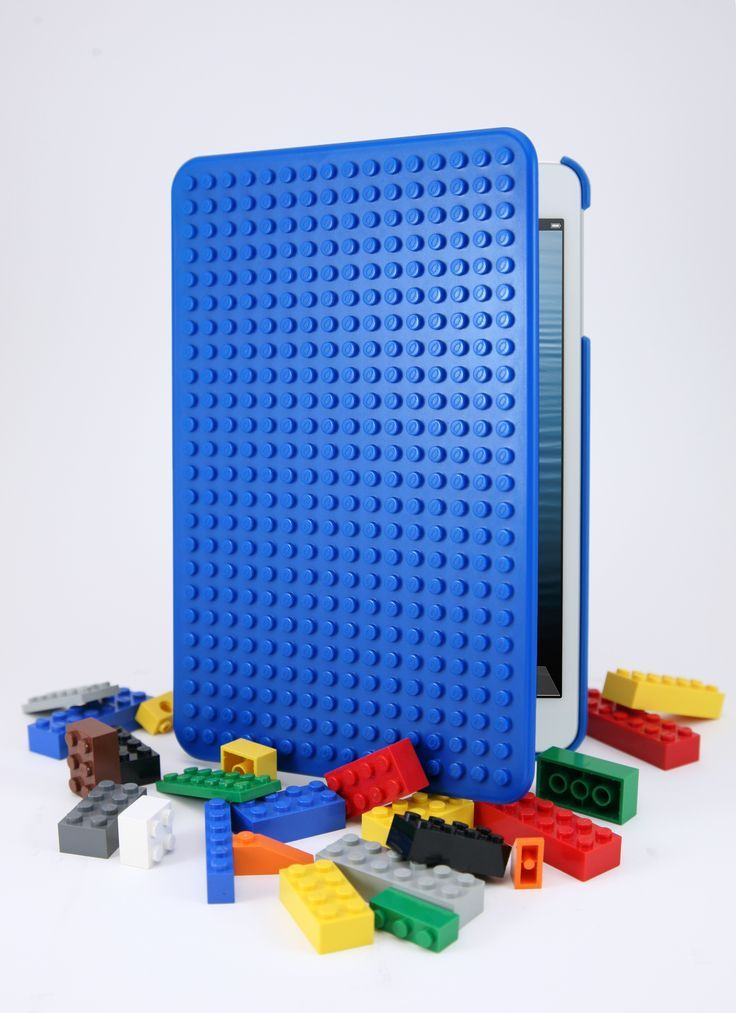 The Smallworks BrickCase for iPad Mini is a Lego-compatible snap-on hard case for the iPad Mini and it comes in 3 favorite Lego colors – red, blue and green. GetdatGadget.com