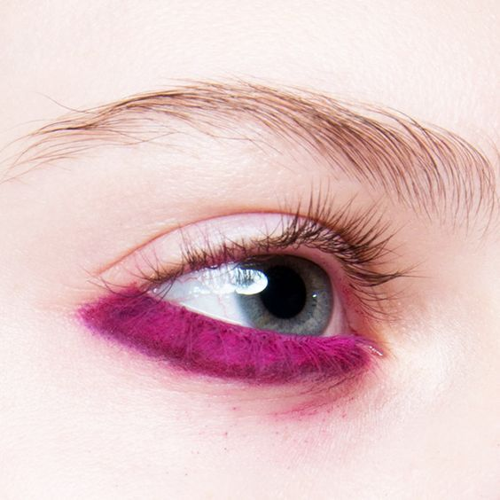 Purple trend makeup