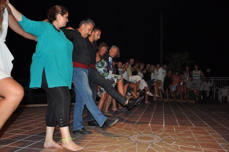 Greek night !! #Halkidiki #greeksummer #Fourka http://hotel-akropolis.gr