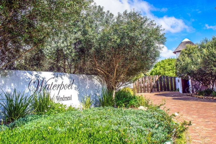 At roughly 5000 square meters this plot for sale found on the Waterpoel de Windmeul security estate offers a lifestyle like no other. The fertile soil calls for a unique opportunity to have a small business concern growing anything from grapes to lavender.