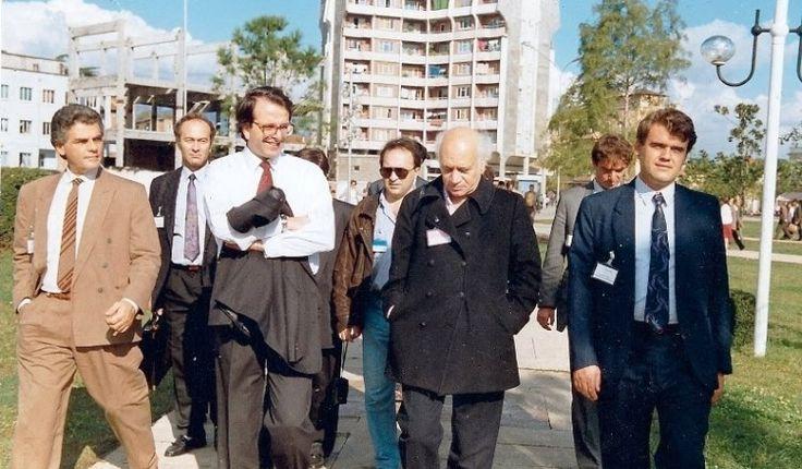 ΕΛΛΗΝΙΚΗ ΔΡΑΣΗ: Το 1991 η Αλβανία άνοιξε τις φυλακές και ο Σαμαράς...