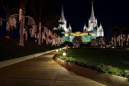 San Diego Temple, one of my favourites.: Curious Visitor, Building, Mormon Temples, Favorite Places, San Diego Temples, The Angel, La Jolla, California Photo, Mormons Temples