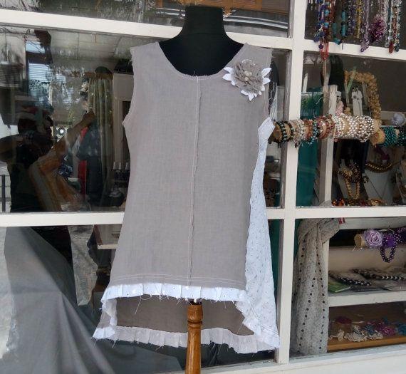 Tunica TOP Abito grigio e bianco con un fiore di ModelianiClothing