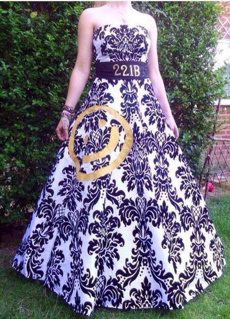 Sherlock ball gown of fabulousness, wish I had the time and resources to make this for MegaCon. Wow