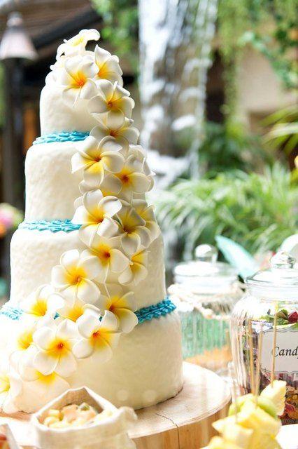 恵比寿トミーガーデン|結婚式場写真「南国ハワイの花プルメリアをイメージしたケーキが人気!」 【みんなのウェディング】