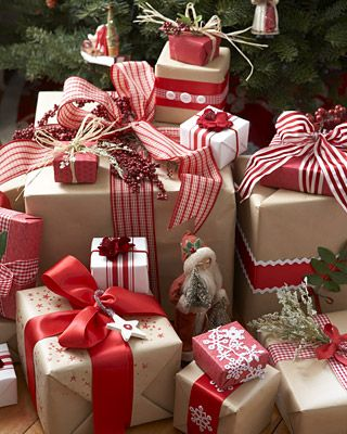 Christmas Gift Wrapping Ideas: Here Kraft paper is embellished with ribbon, raffia