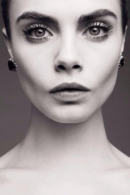 Cara Delevingne, one of our favorite supermodels rocking her awesome eyebrows!