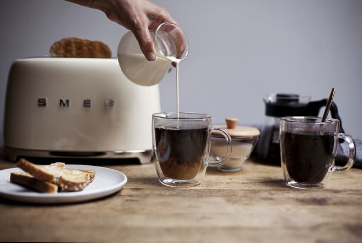 Smeg Cream 2-Slice Retro Toaster   Crate and Barrel