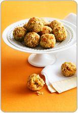 Apricot and oat balls