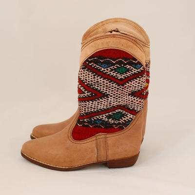 Perfect boho boots for this autumn!  www.keliboots.com