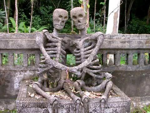 Grave Markers | Scary Website