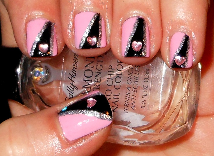 valentines hearts, pink, black and silver: Nails Art, Valentines Heart, Valentines Nails, Hair Nails Makeup, Black Nails, Nails Ideas, Valentines Day Nails, Heart Recipes, Pink Black