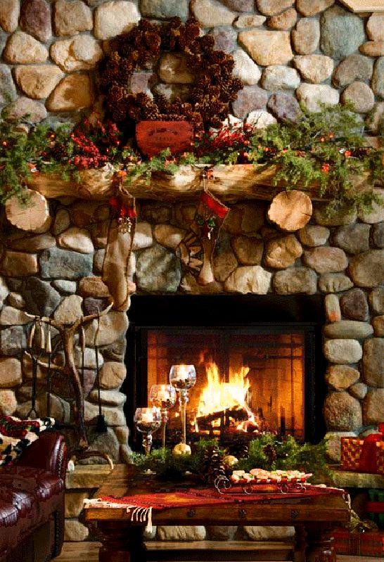 Christmas #harth, #wreath #fireplace http://balancedgreen.org