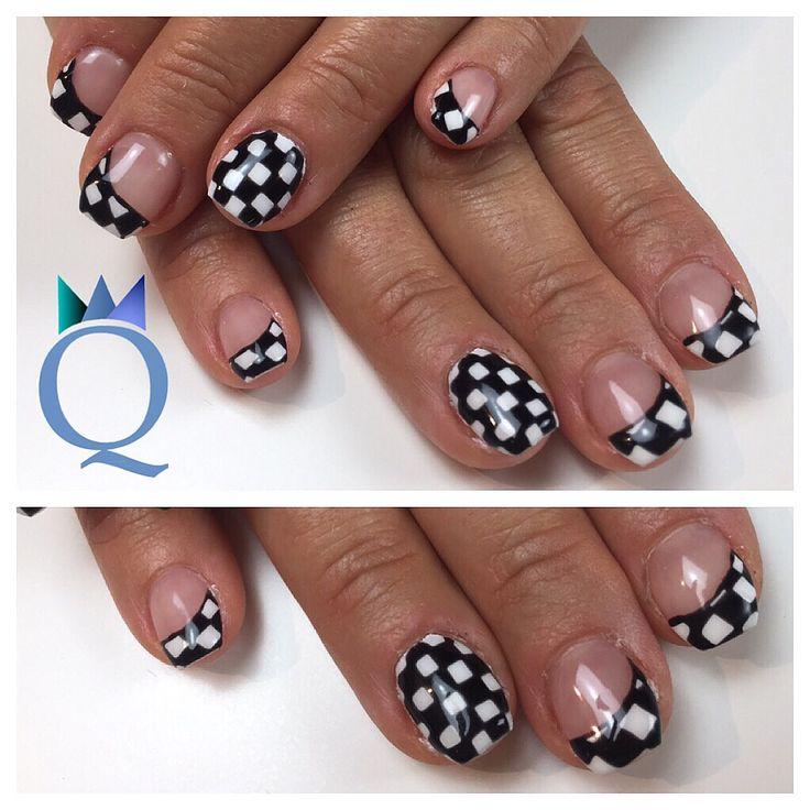 #shortnails #gelnails #nails #coffinnails #ballerinashape #checkmate #kurzenägel #gelnägel #nägel #ballerina #form #karomuster #nagelstudio #möhlin #nailqueen_janine