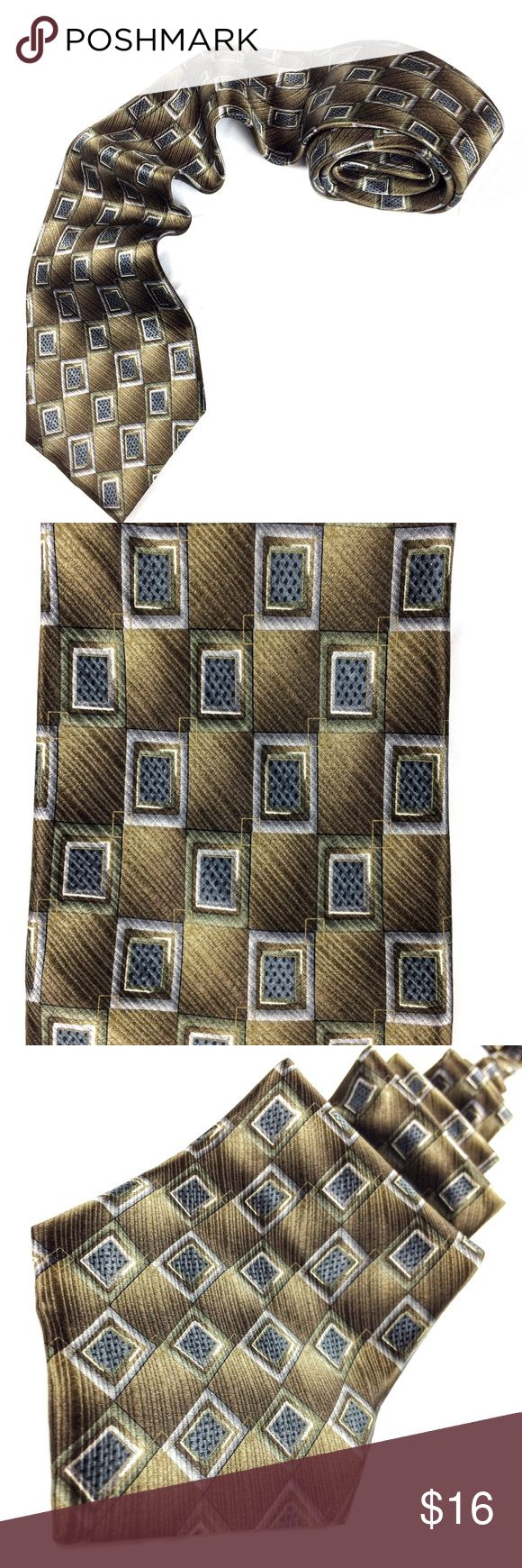 PRONTO UOMO 100% Silk Men's Dress Tie PRONTO UOMO 100% Silk Men's Dress Tie. Colors include: light dark & medium blue; olive green; white; black; gold; gray; tan.  This tie catches the light in pretty amazing ways making the diagonal ombré rectangles look like they are lit up and subtly moving light particles around the tie as you move. Matches a lot of shirt and suit colors. This would look great with black, blue, tan or gray suit.  After scouring I found just one minute snag, included in…