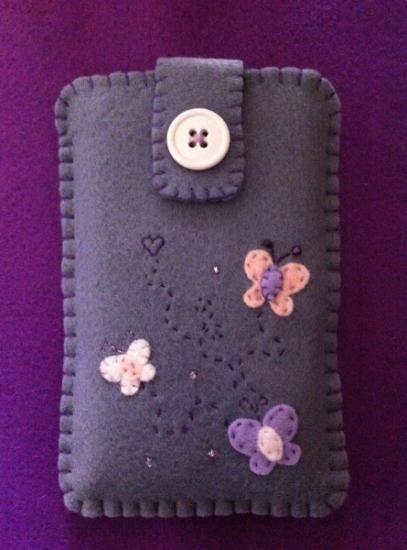 portacellulare con farfalline in pannolenci portacellulare pannolenci,cotone da ricamo,perline cucito creativo,punto festone